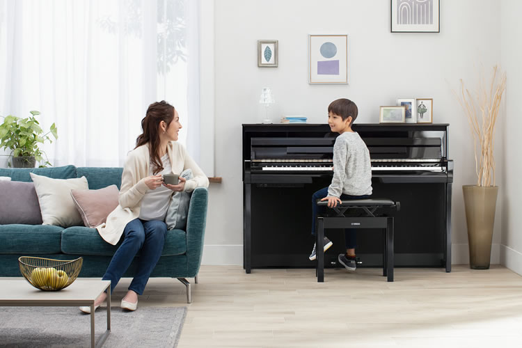 CLP-785 in a home with family