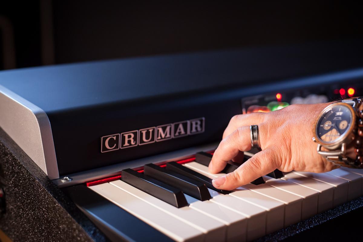 Crumar Seven Closeup