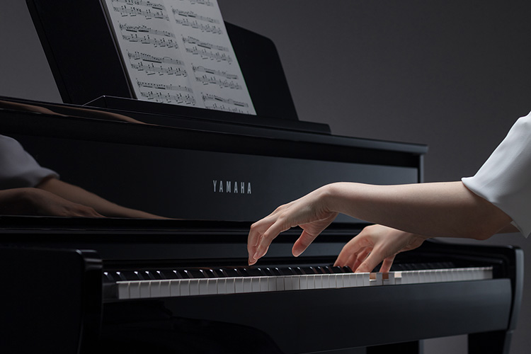 Close image of CLP-775 digital piano