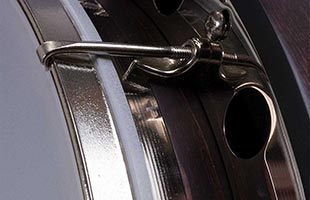 detail image of Deering Artisal Goodtime Special body showing hook and rim
