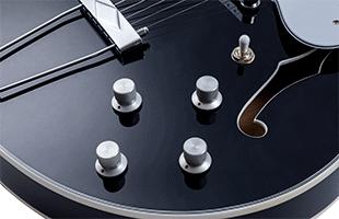 detail image of Vox Bobcat V90 showing aluminum knobs
