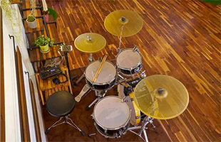 top view of drum set with mesh heads and low volume cymbals