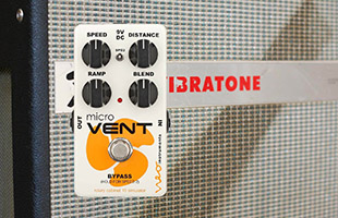 image of Neo Instruments Micro Vent 16 with Fender Vibratone in background