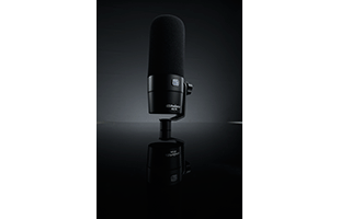 perspective view of PreSonus PD-70 Broadcast Dynamic Microphone showing front and left side