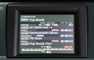 detail image of Hammond SK Pro showing display with Combination setup interface onscreen