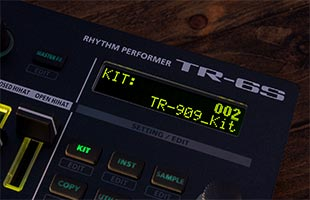 detail image of Roland TR-6S display showing kit selection interface
